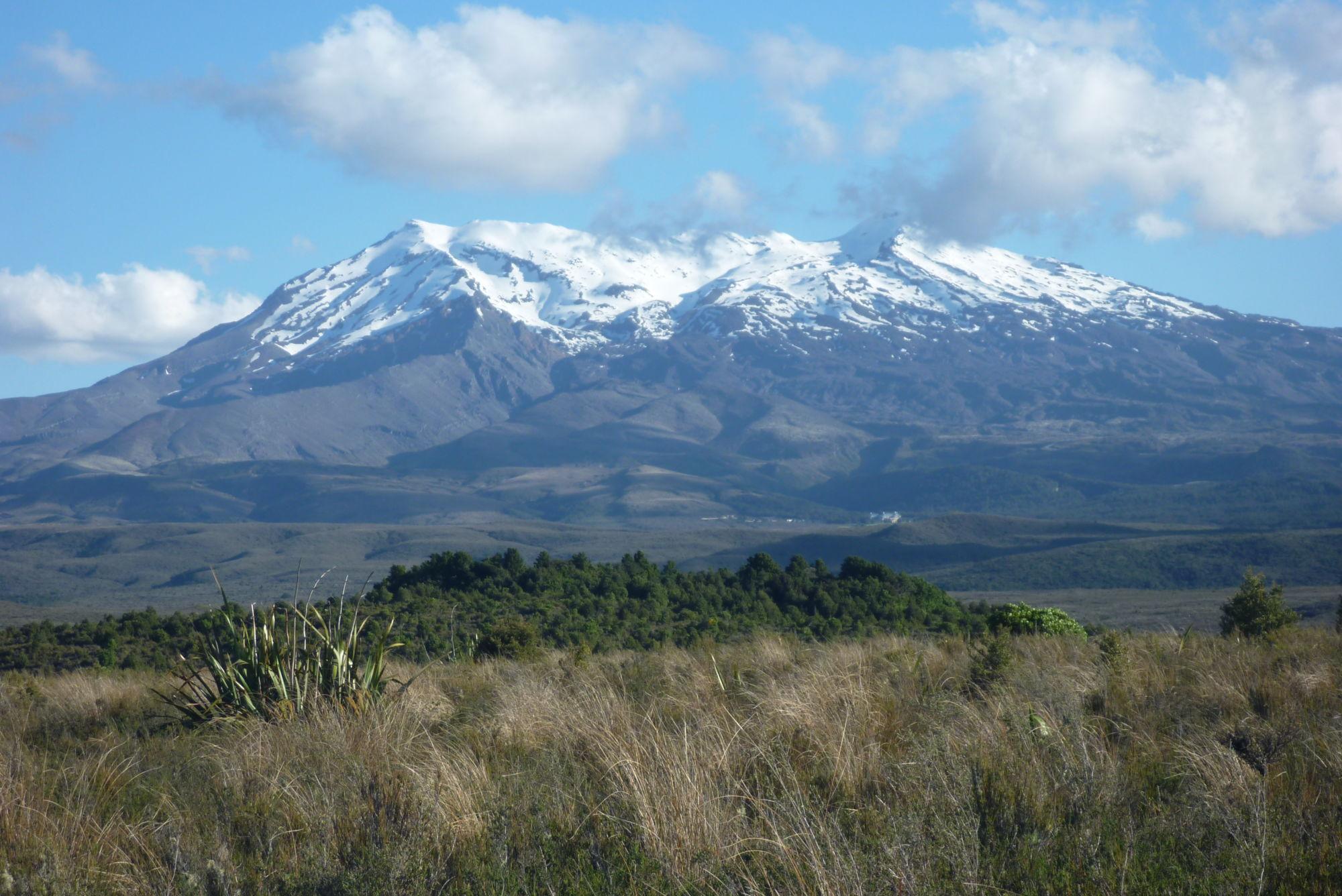 Jedna ze sopek Mount Ruapehu