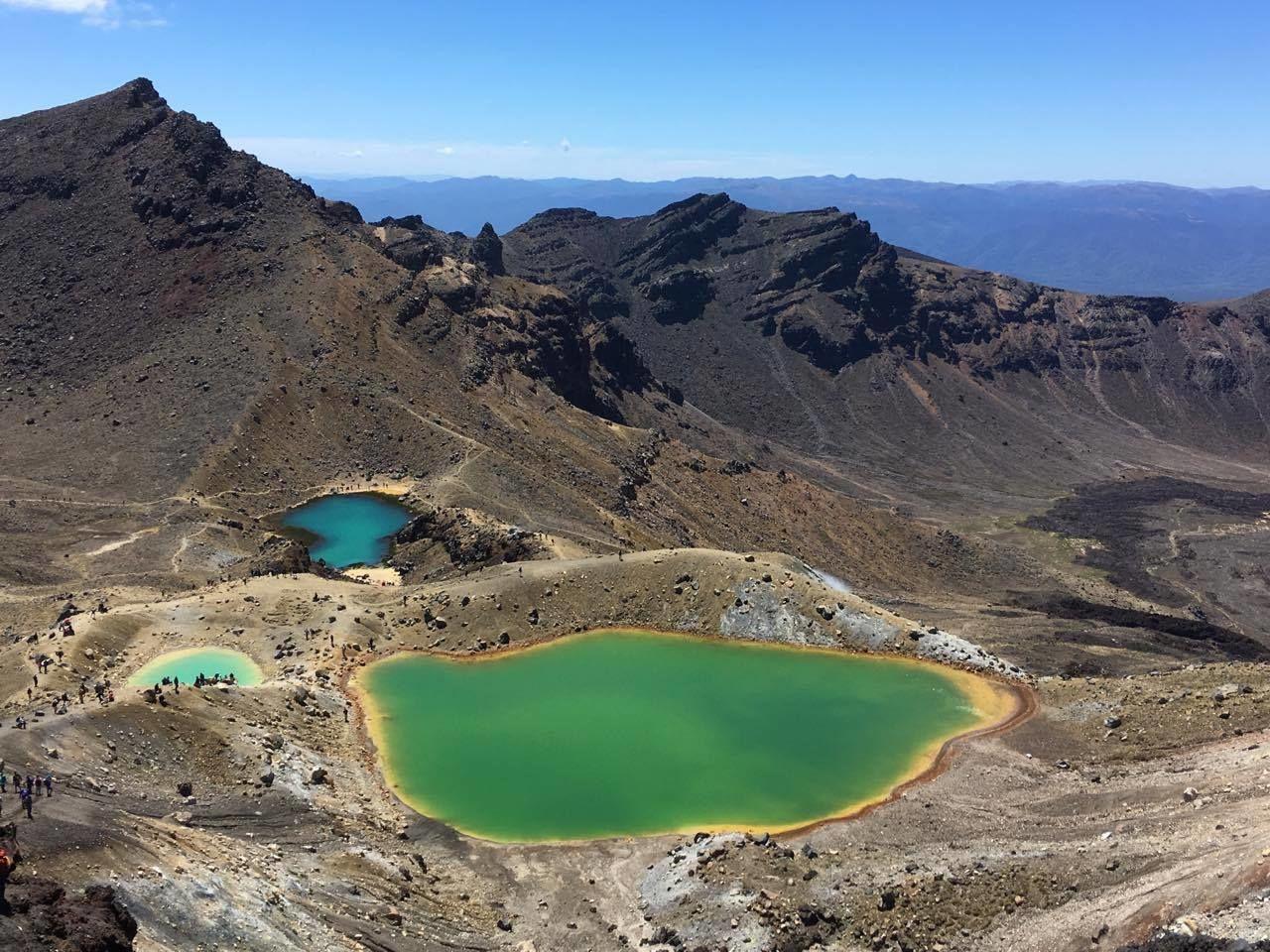 Smaragdová jezírka na Tongariro Alpine Crossing