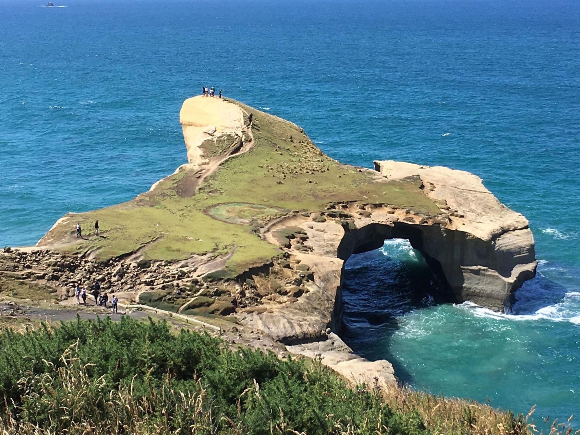 Nový Zéland: Tunnel Beach nedaleko Dunedinu