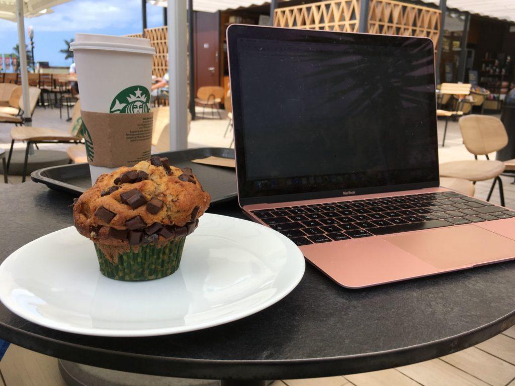 Práce na cestách - ze Starbucksu