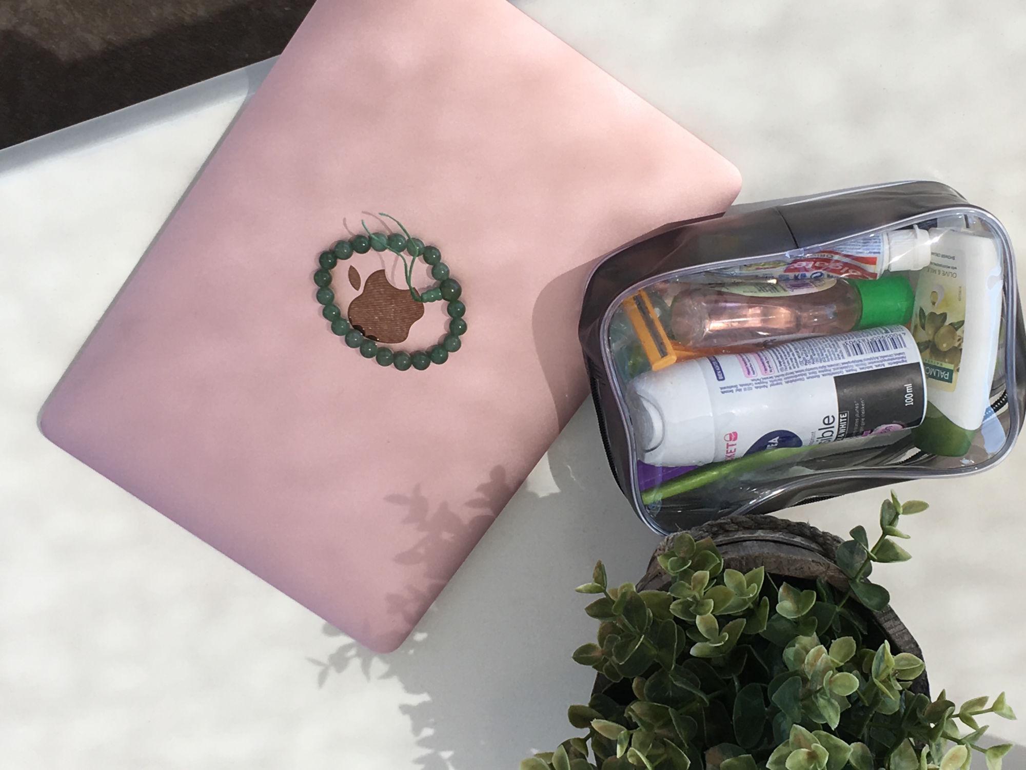Jak se sbalit do příručního zavazadla? - s kosmetikou